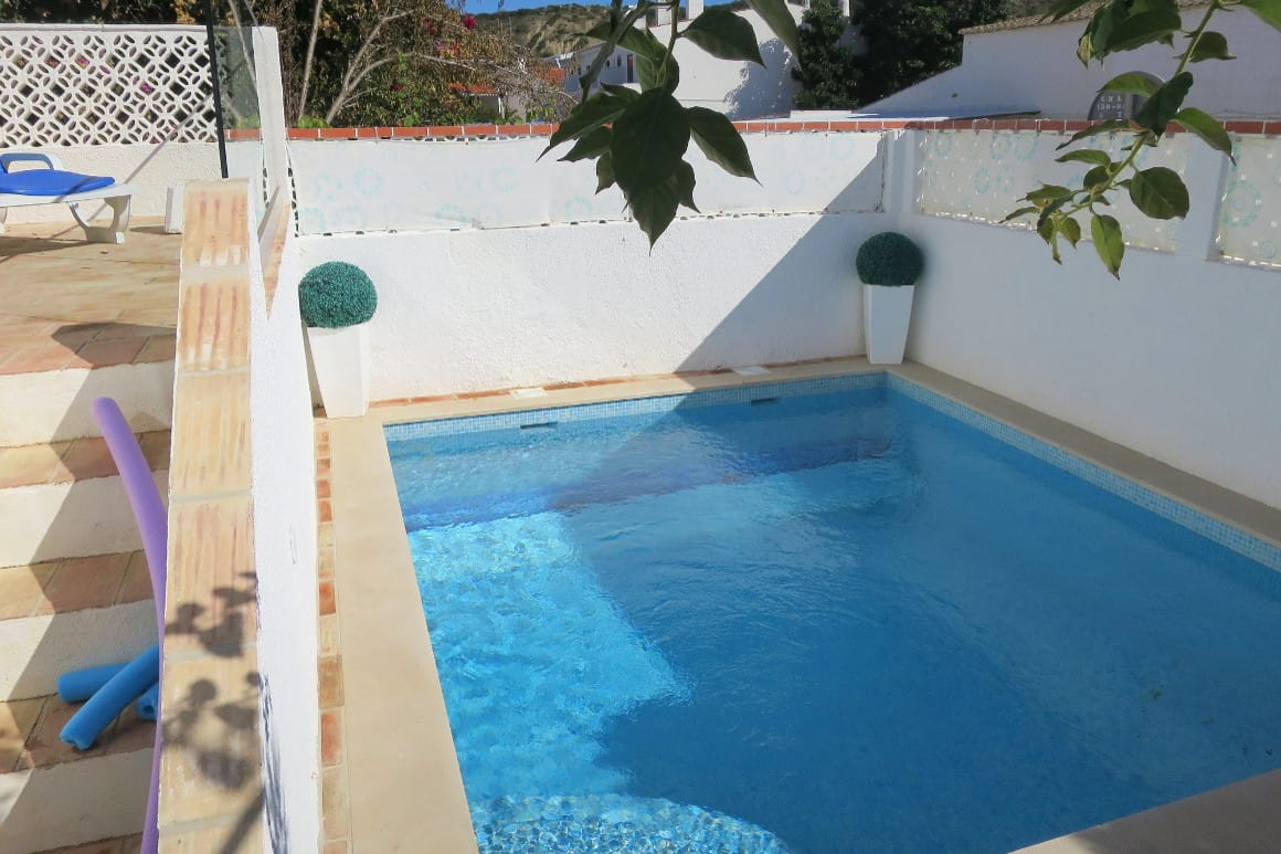 Luz Algarve Vacation Villa with pool
