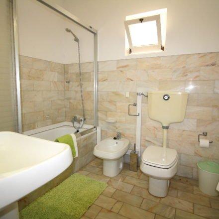 Algarve Luz Villa Ensuite Bathroom