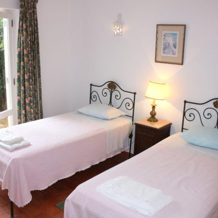 Algarve Villa Luz Twin Bedroom