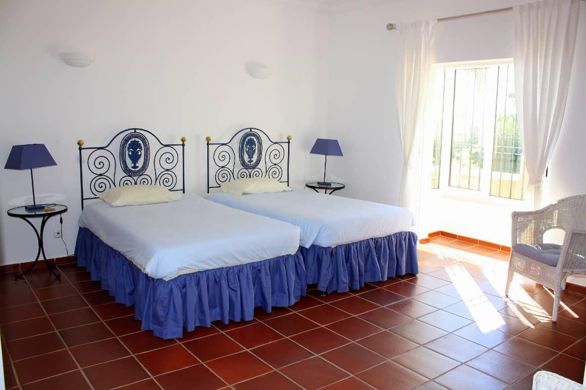 Twin Beds Villa Bonita