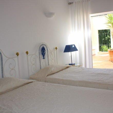 Villa Bonita Twin Beds Luz