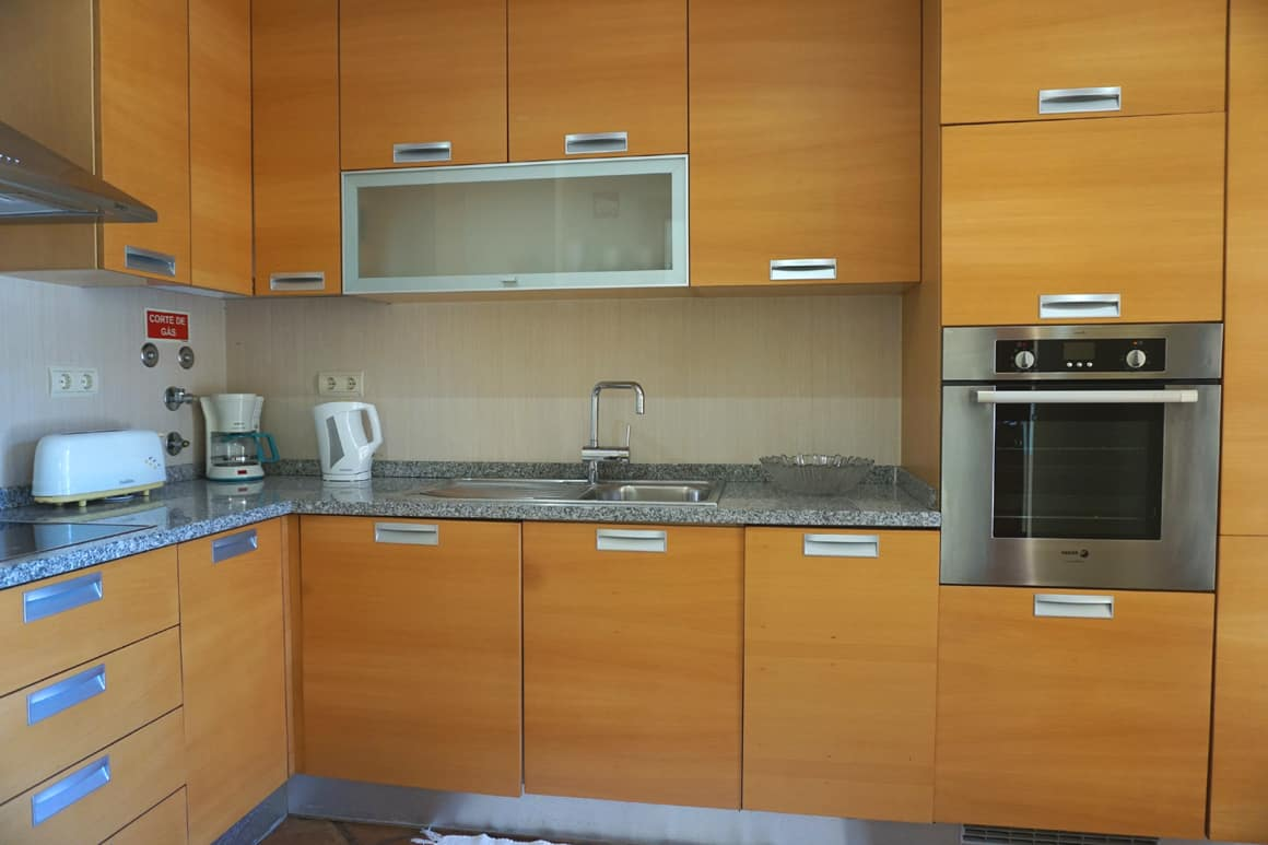 B15 Well equipped Kitchen Algarve Villas Luz