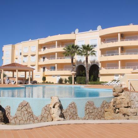 Acacias Apts Pool Area Algarve Villas Luz