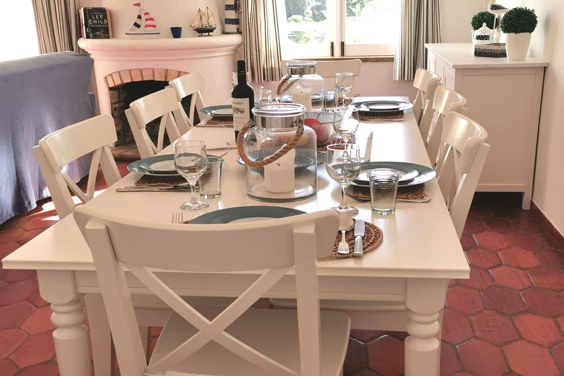 Bay Villa dining table Algarve Luz