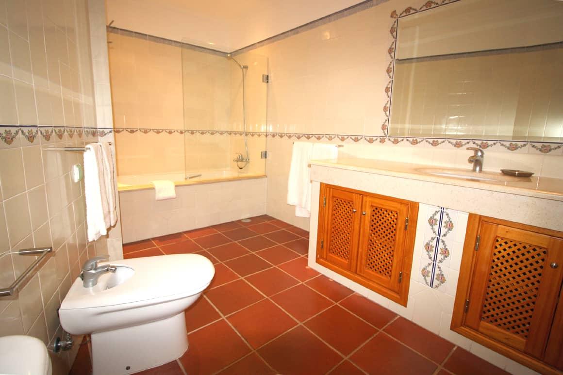 Bonita Villa Algarve Luz En-suite Bathroom