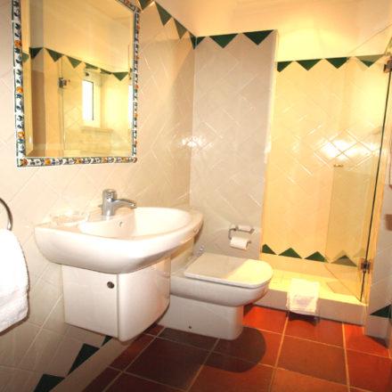Bonita Algarve Villas Luz Guest Bathroom