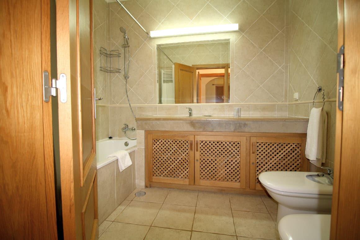 Casa Bela Nova En-suite Bathroom