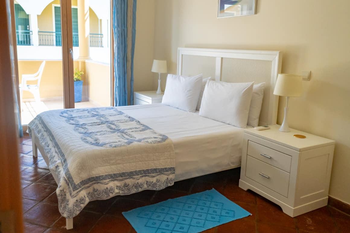 Burgau Apt FD master bedroom