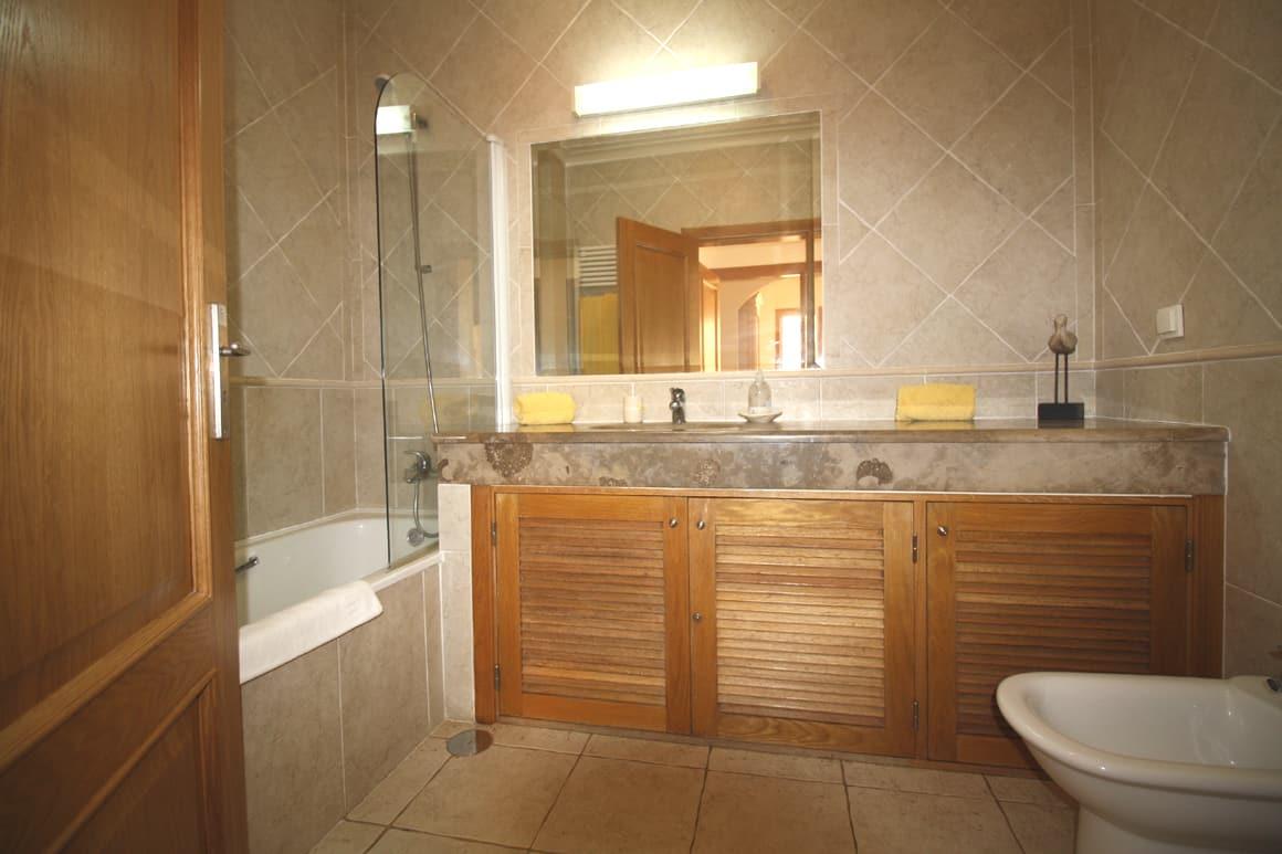 En-suite Bathroom Sossego Algarve Villas Luz