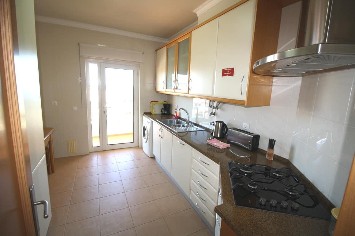 Acacias Ap B2F Kitdhen Algarve Villas Luz