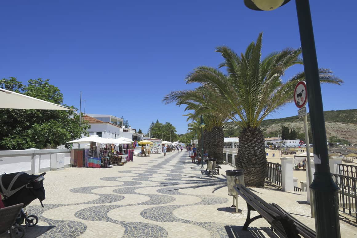 Luz paved Promenade with Seats and Palms