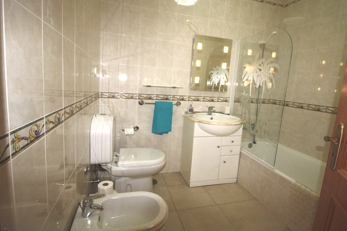 Cristaluz Bathroom Algarve Villas Luz