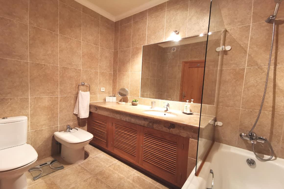 En-suite Bathroom Villa23 Algarve Villas Luz